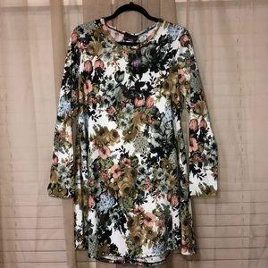 NWT XL White Floral Tunic/Dress 💐
